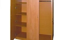 Шкаф для одежды ДСП трехдверный с антресолью