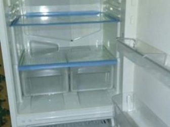 Продаю холодильник Indesit в рабочем состоянии в Архангельске