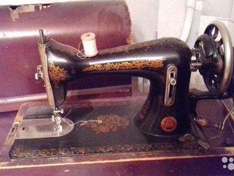 Машина швейная Подольск,  Давно не пользовались, поэтому шьет или нет точно не известно, в Архангельске