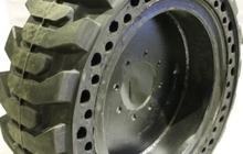 Шины цельнолитые 12-16, 5 (33*12-20) на дисках для погрузчика bobcat