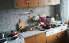 Кухонные столы и шкафы