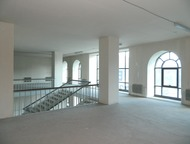 Под медицинский центр 600 кв, м. Первый этаж и второй этажи, отдельный вход, зон