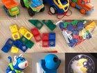 Игрушки: машинки, конструкторы, проектор