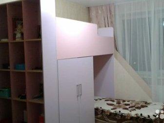 Продаётся двухъярусная кровать в хорошем состоянии,  2спальных места 90*200, где спокойно можно лечь и взрослому,  Имеется большой вместительный шкаф (1секция-бельевой, в Ижевске