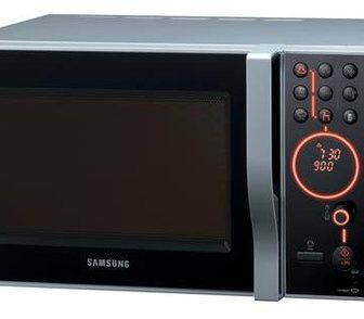 Фотография в Бытовая техника и электроника Плиты, духовки, панели Продам Микроволновую Печь SAMSUNG CE-1185 в Электростали 5500