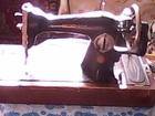 Просмотреть foto Антиквариат продается ручная швейная машинка 66608642 в Казани