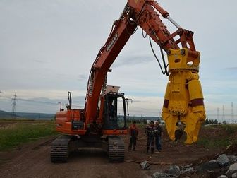 Уникальное изображение  Сдаем в аренду Экскаватор гусеничный Hyundai 300LC-9S с клыком для разрушения зданий 3000 руб/час 42714714 в Казани