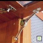 Подъемный механизм для дверцы кухонного шкафа