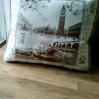 Подушки для дивана новые 3 шт