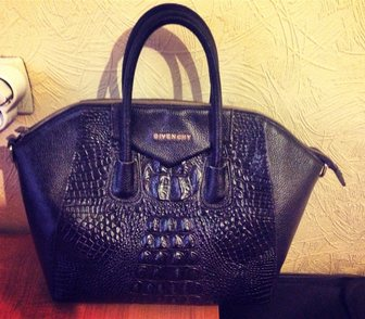 Фото в   Продаю оригинальную сумку Givenchy, натуральная в Краснодаре 4700