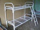 Уникальное изображение  Кровать металлическая двухъярусная с лестницей и ограждением Арт-026 35754196 в Красноярске