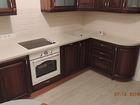 Смотреть фото Кухонная мебель Мебель на заказ, Шкафы-купе, кухонные гарнитуры, гардеробные, торговое оборудование на основе метало-каркаса, 3D моделирование, дистанционное согласование дизайн 40412028 в Красноярске