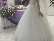 Продам свадебное платье Айвори Продам красивое, пышное свадебное платье, размер