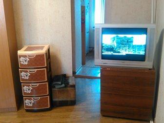 Просмотреть фотографию  Продам просторную гостинку в добротном кирпичном доме 33451317 в Красноярске