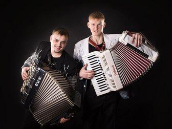 Смотреть foto  Дуэт BOOM, Живая музыка на Новый год, Корпоратив 34056545 в Красноярске
