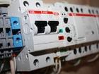 Скачать фото  Устройство ввода резерва АВР 19 от производителя 220В 25А Schneider Electric 69601878 в Советске