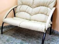 Магнитогорск: Офисный диван двухместный Офисный диван двухместный  Мягкое сиденье для двух человек.   Прочный крепкий металлический каркас.   Обивка черным кожзамен
