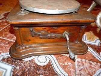 Смотреть фото Антиквариат Продам старинный Граммофон 34520593 в Москве