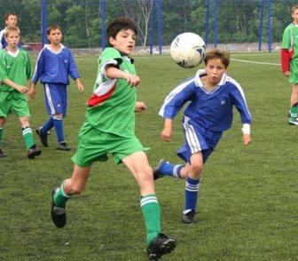 Фото в Спорт  Спортивные школы и секции Детский футбольный центр развития приглашает в Москве 800