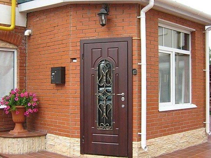 купить входные бронированные двери в дом