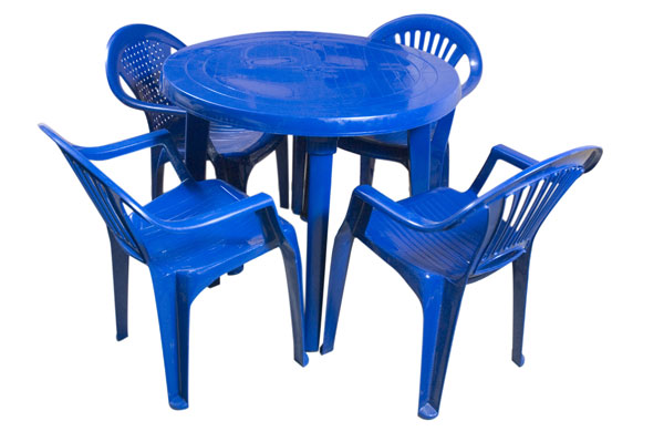 Красноярск: стулья и столы пластиковые цена 590 р., объявлен.