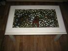 Свежее фотографию Столы, кресла, стулья Журнальный столик 88х56х44см, со стеклом и выдвижным ящиком 38729016 в Москве