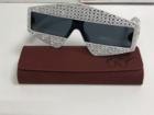 Просмотреть foto  Очки брендовые солнцезащитные GUCCI в футляре 69082645 в Москве