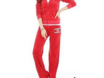 Просмотреть фото Спортивная одежда Спортивный женский костюм Chanel 32766274 в Москве
