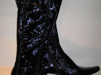 Скачать бесплатно foto Женская обувь Продаю сапожки в стиле Винтаж 38 р. кожа 33857096 в Москве