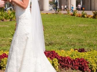 Увидеть фото Свадебные платья Платье свадебное со шлейфом айвори 39718203 в Москве