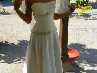Увидеть фотографию Свадебные платья Продаю практически новое свадебное платье 40025170 в Москве