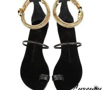 Фото в Одежда и обувь, аксессуары Женская обувь Стильные босоножки на тонкой низкой подошве в Москве 4800
