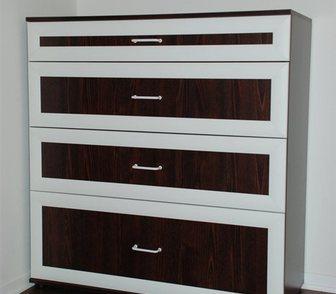 Фото в Мебель и интерьер Мебель для спальни Комод новый.   Размеры: В 108 см x Ш 100 в Москве 14000