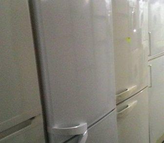 Фото в Бытовая техника и электроника Холодильники Продам 2-х камерный холодильник фирмы Индезит. в Москве 9500