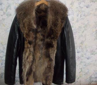 Фотография в   Кожаная куртка Италия мех волка, новая, размер в Москве 13500