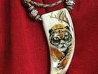 Свежее фотографию  Кулон клык Тигр(авторская работа)натур, кость 34282549 в Находке