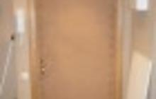 Обивка входных дверей дермантином (винилискожей)