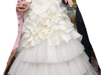 Скачать бесплатно фото  Продам красивое свадебное платье 32960238 в Новосибирске