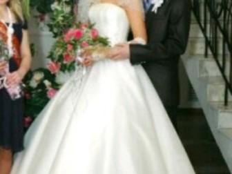Просмотреть фото  Шикарное свадебное платье 37692606 в Новосибирске