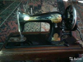 Продам швейную машинку Singer, состояние б\у,  Вроде работает,  Можно приобрести для дома как антикварную  вещь, в Новосибирске