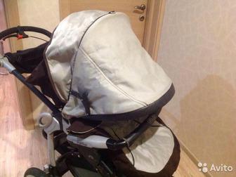 Продам отличную фирменную коляску в хорошем состоянии,  Проходимая, отличная управляемость, вместительный багажник, Состояние: Б/у в Новосибирске