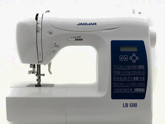 Швейная машина Jaguar LW-600 собрана на металлической станине c использованием высококачественных комплектующих, оснащена вертикальным челноком с металлическими в Новосибирске