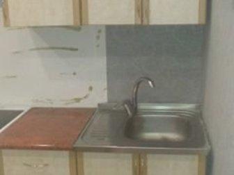 Кухонный гарнитур в хорошем состоянии,  3 шкафа верхних и 3 нижних, имеется 4 выдвижных ящика,  Гарнитур в настоящее время находится в разобранном состоянии,  Самовывоз, в Новосибирске