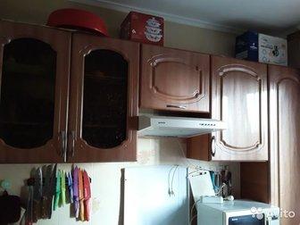 Продам кухню в хорошем состоянии,  Фасады без царапин,  Почти новая,  Общая длина 220Техника не входит, Торг уместен, в Новосибирске