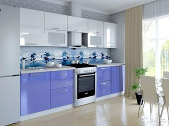 ОПИСАНИЕ Кухоный гарнитур «Марта » - отличный пример современной кухни с разнообразными в цветовой гамме фасадами и контрастным сочетанием яркого или темного цвета в Новосибирске