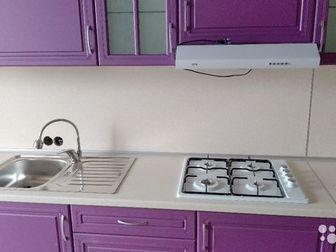 Совершенно новая кухня, не использовалась,  Собрали для демонстрации,  12 предметов,  Все выдвижные части на доводчиках,  Варочная поверхность газовая,  Длинна 4,2метра, в Новосибирске