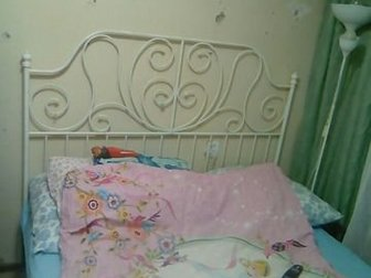 Каркас кровати   направляющая  рейки,всё целое!!! Не скрипит!!!Звоните,спрашивайте!!!Ноги дополнительно укреплены сваркой,навечно!!!!!! в Новосибирске