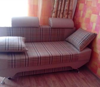 Изображение в Мебель и интерьер Мебель для гостиной продам красивый диван с подушками, б\у месяц, в Новосибирске 16000