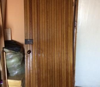 Фотография в Строительство и ремонт Двери, окна, балконы Продам глухую деревянную дверь б/у. Из 50 в Новосибирске 1000