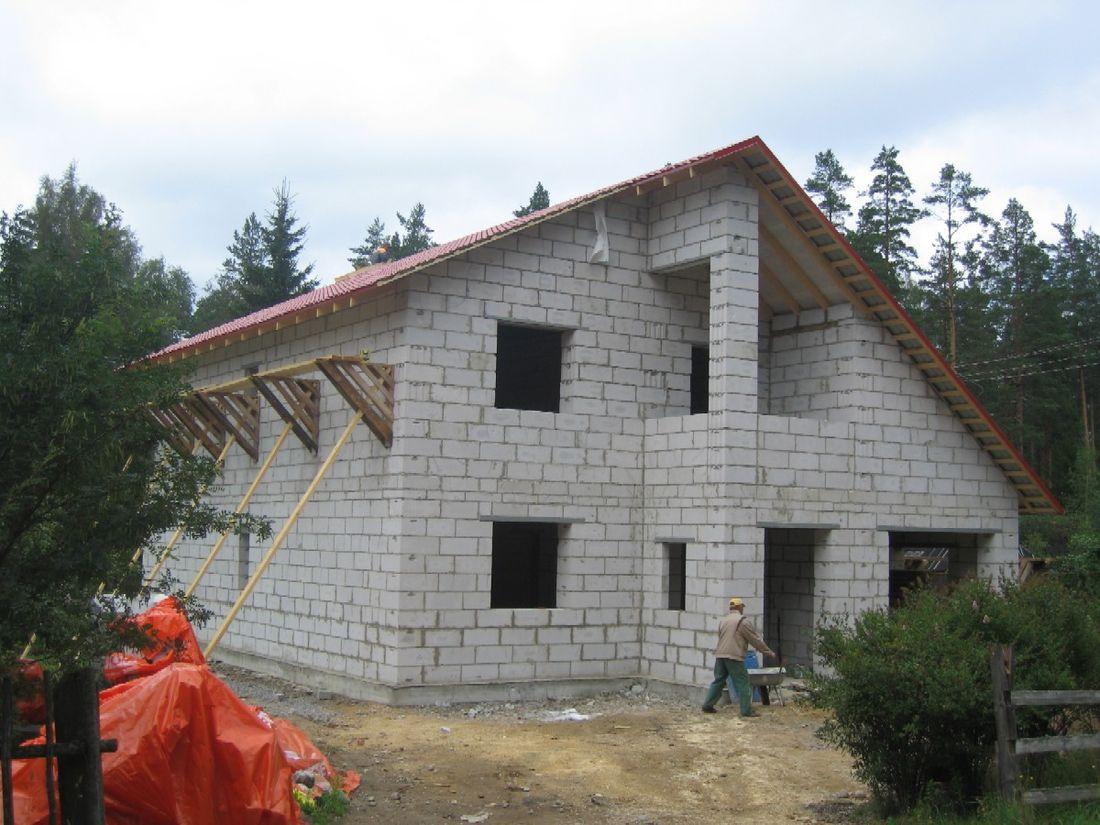 Дачный домик из шлакоблоков своими руками фото